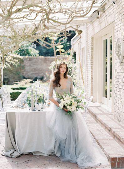 Romantic white bouquet