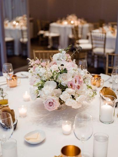 Soft Garden Table Arrangement