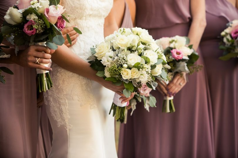 Lesher's Flowers weddings
