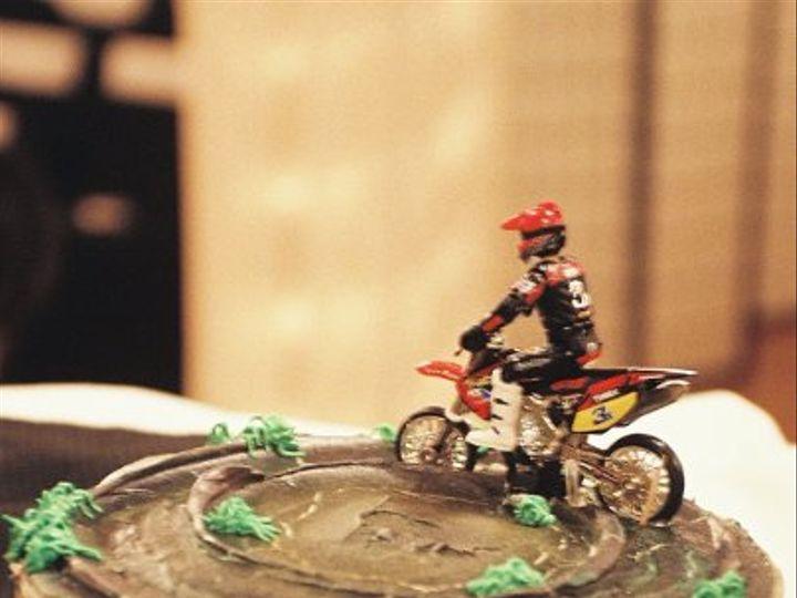 Tmx 1328050967880 GroomsmotorcycleCake Newberg wedding cake