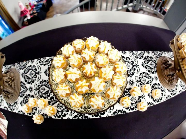 Tmx 1399309804269 Carmel Newberg wedding cake
