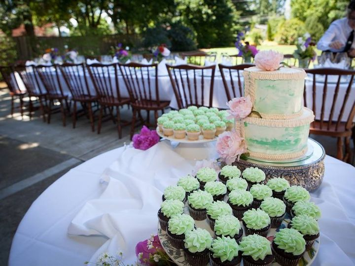 Tmx 1399309919898 Green Marbled Choc And Cupcake Newberg wedding cake