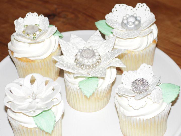 Tmx 1399310139047 Lace Flower Topper Newberg wedding cake