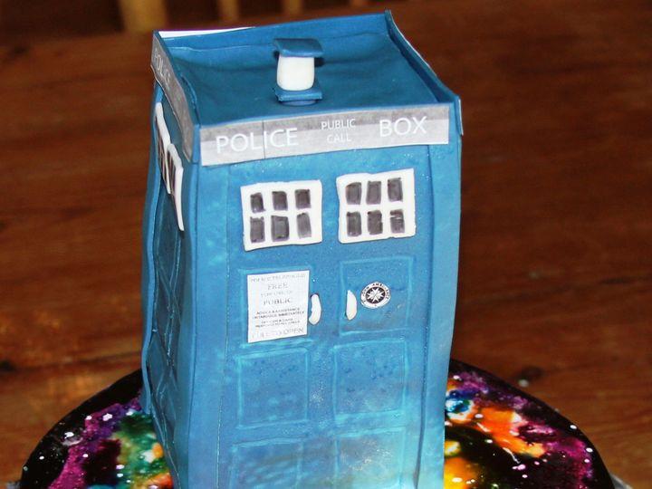 Tmx 1501529398010 Tardis 2 Newberg wedding cake