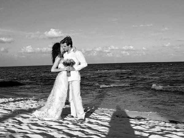 Destination Wedding in Mexico. Planning and booking services available through All Inclusive Outlet.