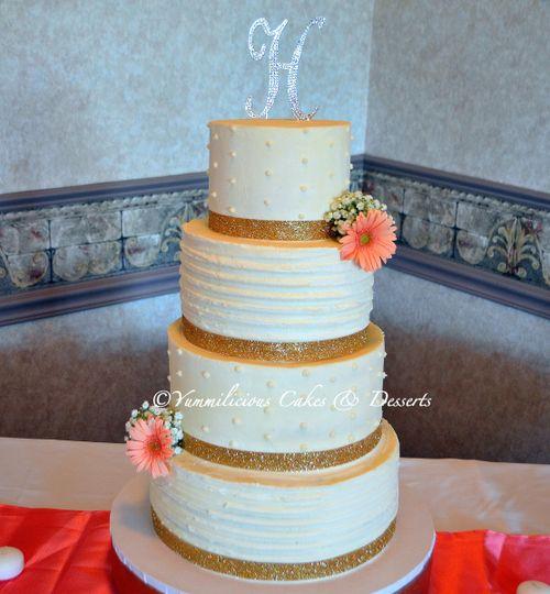 yummilicious cakes desserts wedding cake utica ny weddingwire. Black Bedroom Furniture Sets. Home Design Ideas