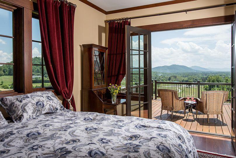 Maren Estate room