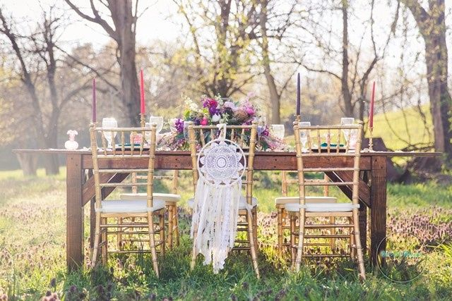 Country Creek Farmhouse Tables