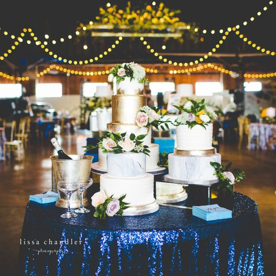wedding wire cake 21 51 13334
