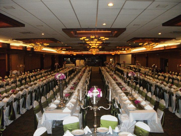 Garden By The Bay Ballroom comfort suites / rock garden - venue - green bay, wi - weddingwire