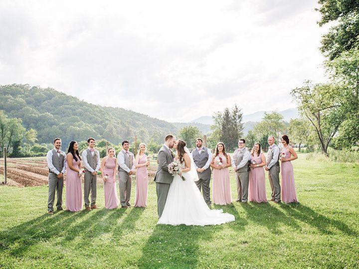 Tmx 1533911763 2a578b7435f8f5dc 1533911761 F41e6ad0e4b0c21b 1533911756824 8 CarllReception 30 Newport News wedding beauty