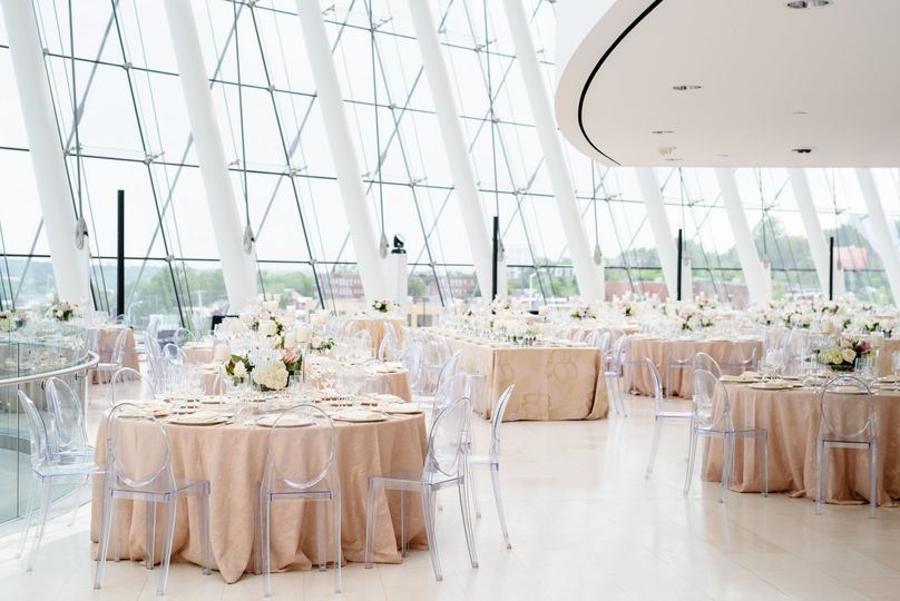 Gorgeous reception layout
