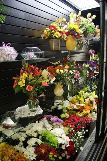 A wide selection of fresh flowers for your wedding, and all occasions.