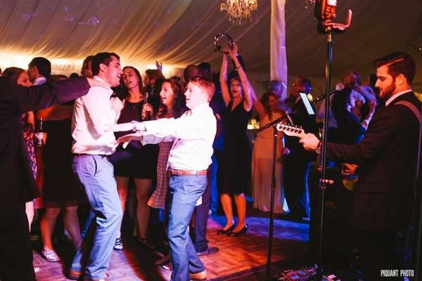 Great crowd at Lee & Jarrod's wedding in Wrentham! Thank you Piquant Photo for the great shot~...