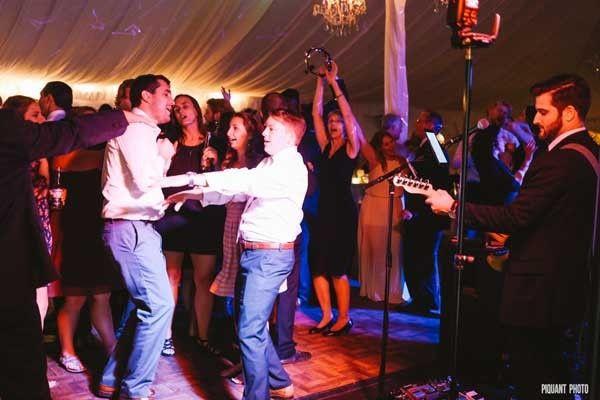 Tmx 1475934702878 Horizonhornscrowd1a Beverly wedding band