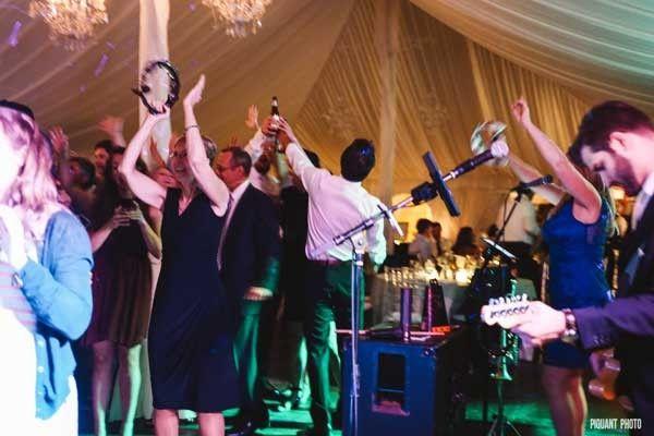 Tmx 1475934895983 Horizonhornscrowd4a Beverly wedding band