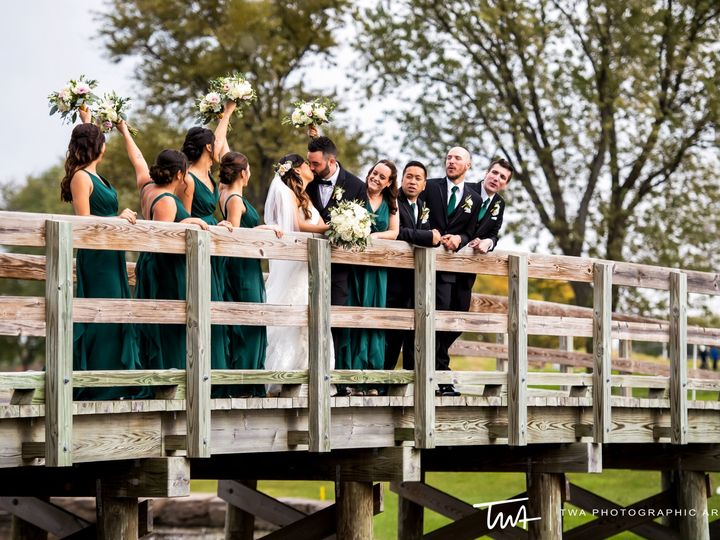 Tmx Bridges Cheering 51 2434 1562102674 Hoffman Estates, IL wedding venue