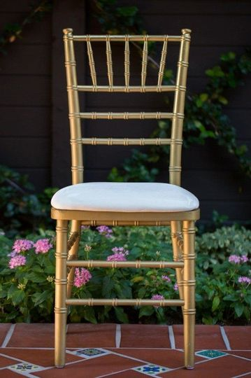 mile madison crate milwaukee a wi boutique la vintage head rental spindle radius table wood seating includes mismatched and alacrate rentals ceremony product wisconsin chairs wedding chair web