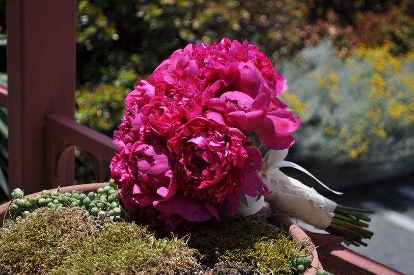 Round and pink bouquets