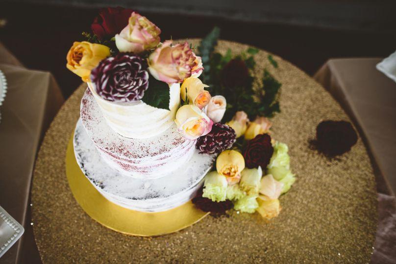Fresh flower cake decor.