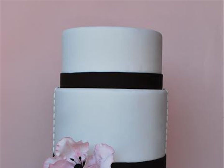 Tmx 1398396079548 Cakewithflowe Brooklyn wedding cake