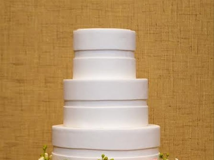 Tmx 1398396177214 Whiteandmultiflowe Brooklyn wedding cake