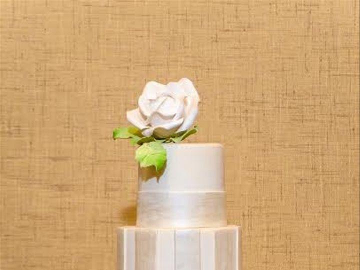 Tmx 1398396241521 Stripedwhitecak Brooklyn wedding cake