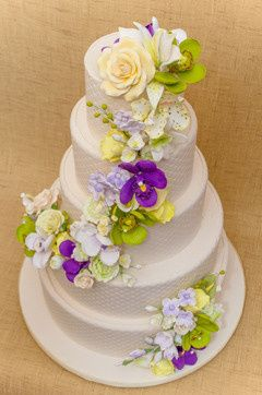 Tmx 1398396313408 Tieredcakedwhiteandpurpl Brooklyn wedding cake