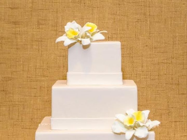 Tmx 1398396389374 Squarecakeyellowflower Brooklyn wedding cake