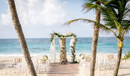 Wedding Videos and Photos in Punta Cana by CoresFilms 1