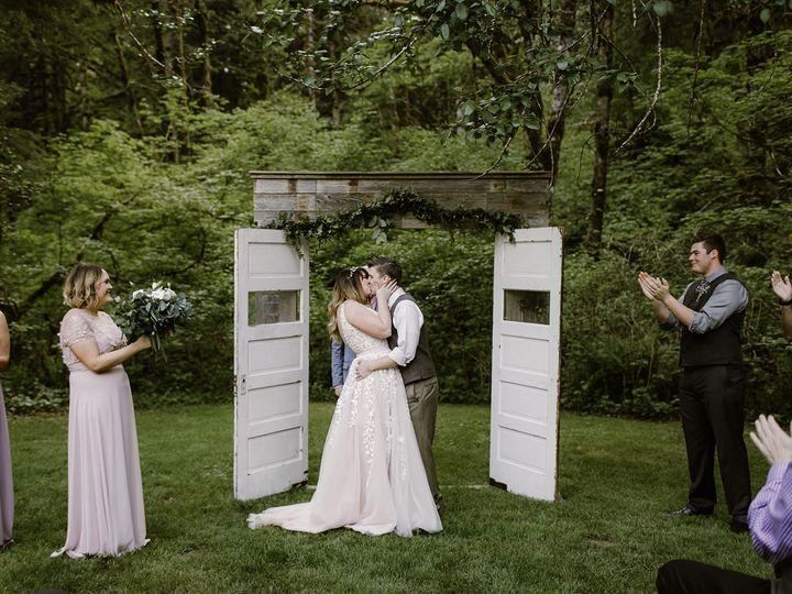 Tmx 1530466303 E032293377f14a19 1530466302 9609f1020e3553e0 1530466300291 13 Sneak Peek 4 Sublimity, OR wedding venue