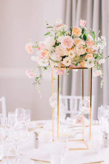 Blush wedding centerpiece