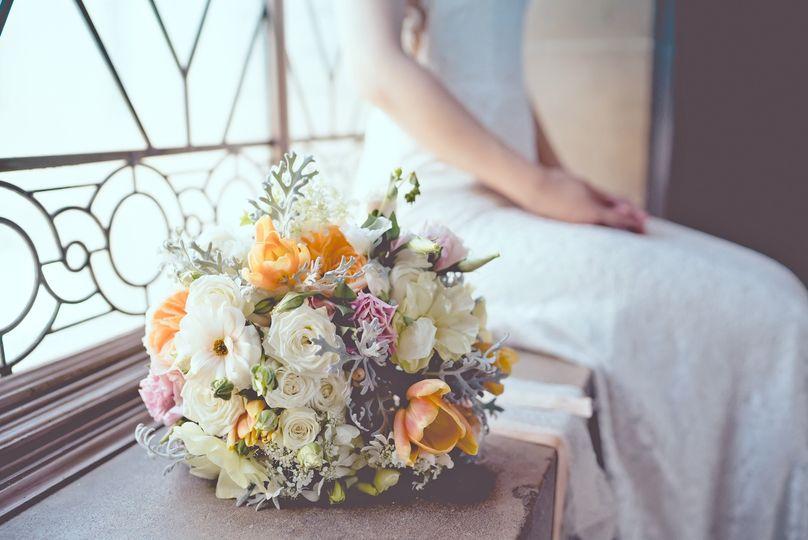 Springy bridal bouquet