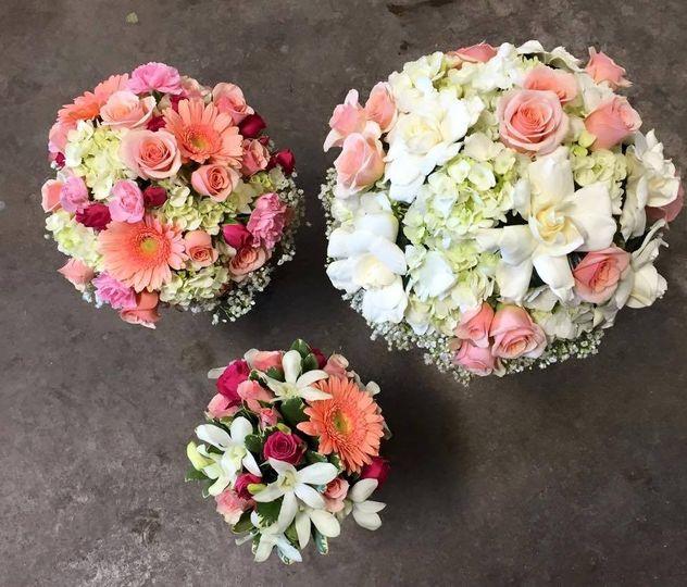 adrian durban florist flowers cincinnati oh weddingwire. Black Bedroom Furniture Sets. Home Design Ideas