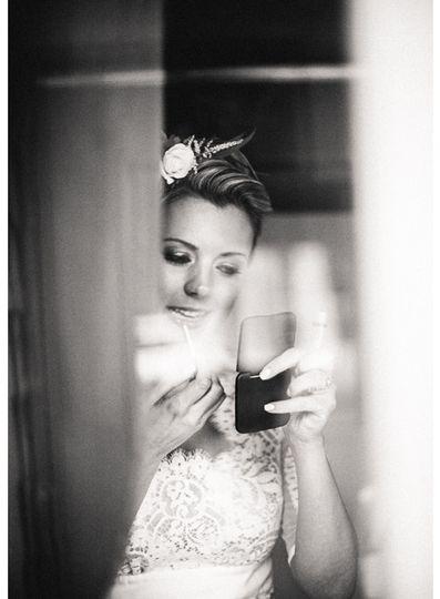 bride getting ready colorado wedding