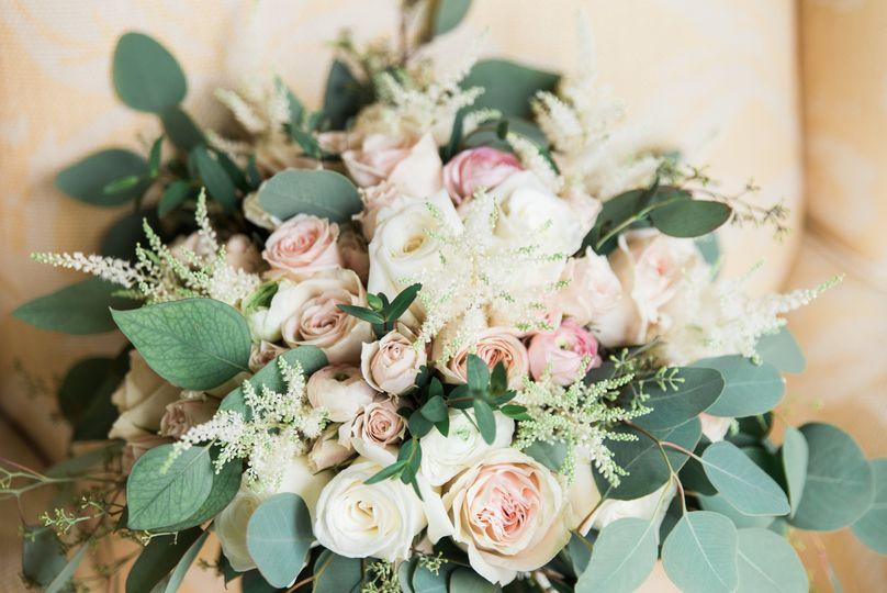 Soft and elegant bride bouquet