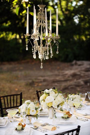 great gatsby wedding decor and centerpiece idea