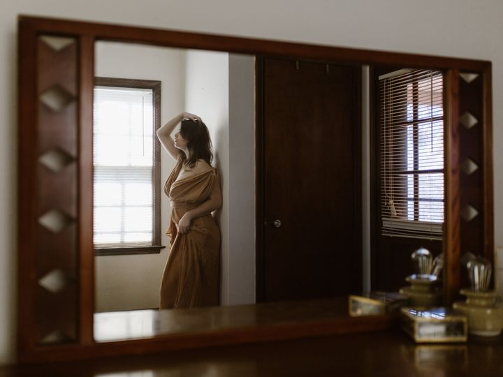 Tmx Bedroom Mirror Reflection Of A Woman In Flowing Yellow Gown 51 558534 1567107112 Middleton, WI wedding photography