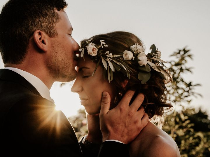 Tmx Groom Kissing His Bride On The Forehead 51 558534 1567106502 Middleton, WI wedding photography