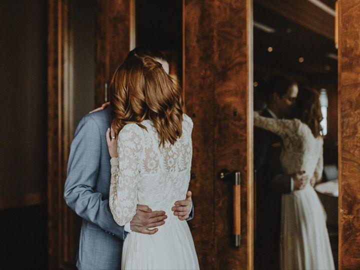 Tmx Lightandlife Theknot4 51 558534 158032744493487 Middleton, WI wedding photography