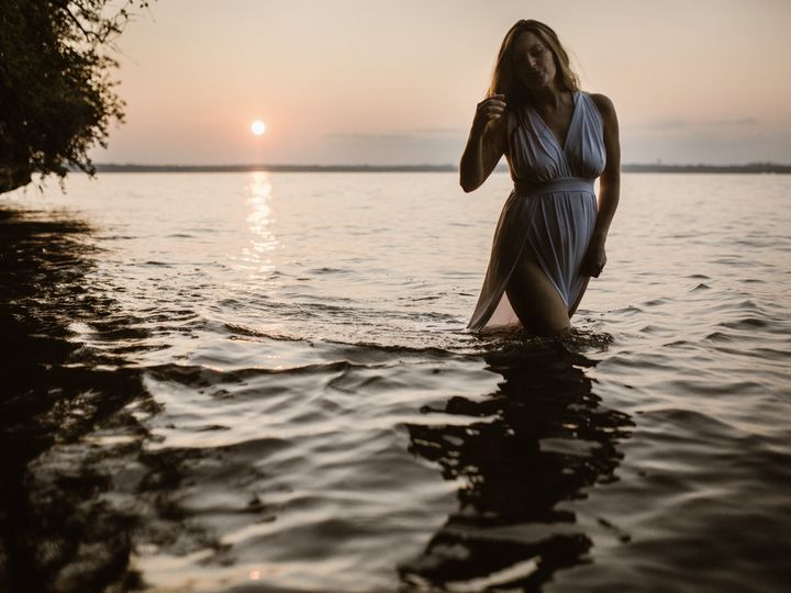 Tmx Woman In A White Gown Wading Through The Lake At Sunset 51 558534 1567107449 Middleton, WI wedding photography