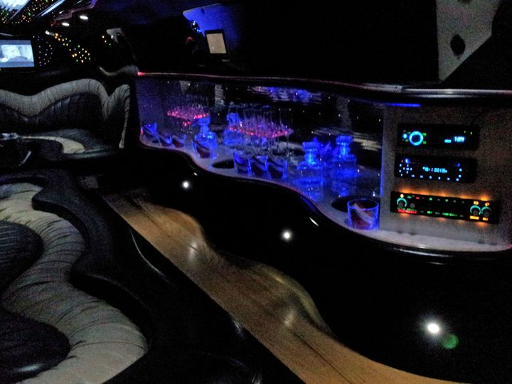 lincoln wht limousine interior at nightedit