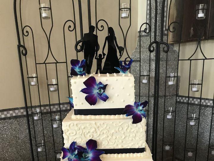 Tmx 1531896148 3744d3b59b67924c 1531896146 39d5a75ab9fe4fd3 1531896133608 7 A5A1A7EE 9CA9 4D44 Butte wedding cake