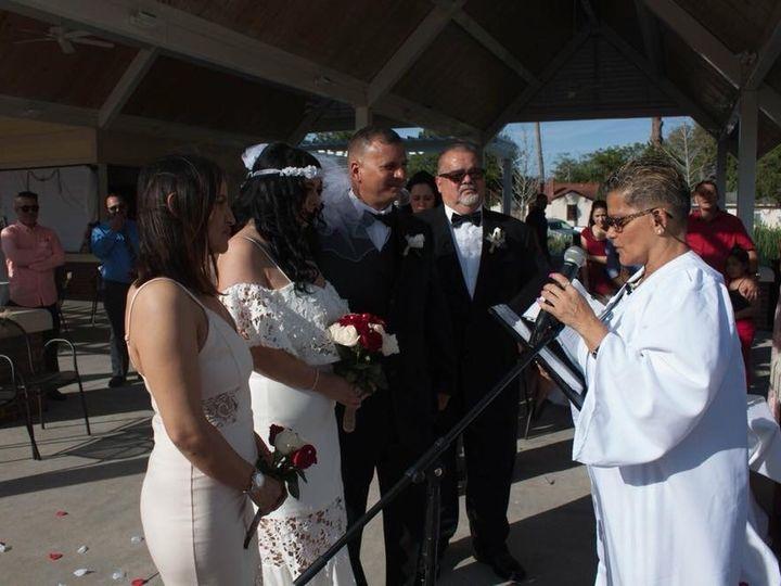 Tmx Img 1117 51 1005634 160365702936920 Saint Petersburg, FL wedding officiant