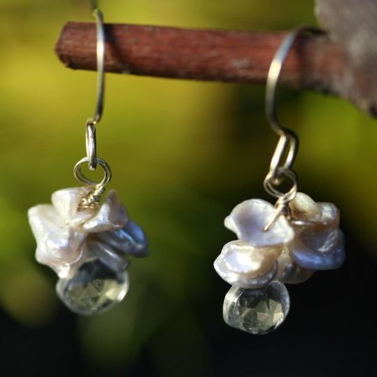 Contemporary and sheik these earrings are for woman with style. Wear them on your day and be able to...