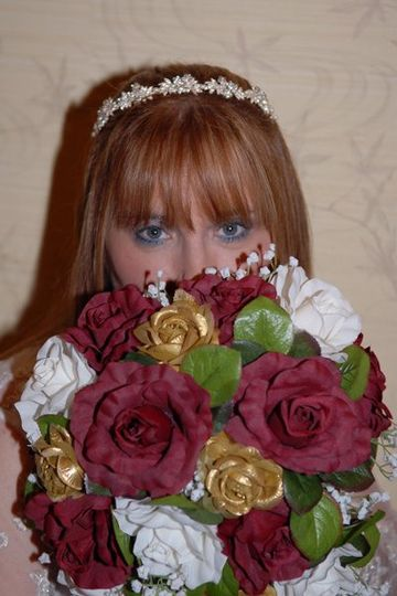 I can arrange for a really good wedding photographer at a reasonable price.