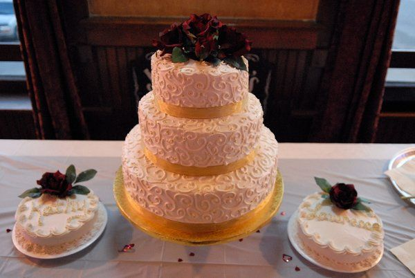 There is a wonderful caterer that makes awesome cakes that your guests will just love.