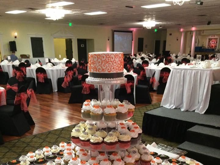Tmx 1495743393061 Cupcakes With Dirt Cups Menomonee Falls, WI wedding cake