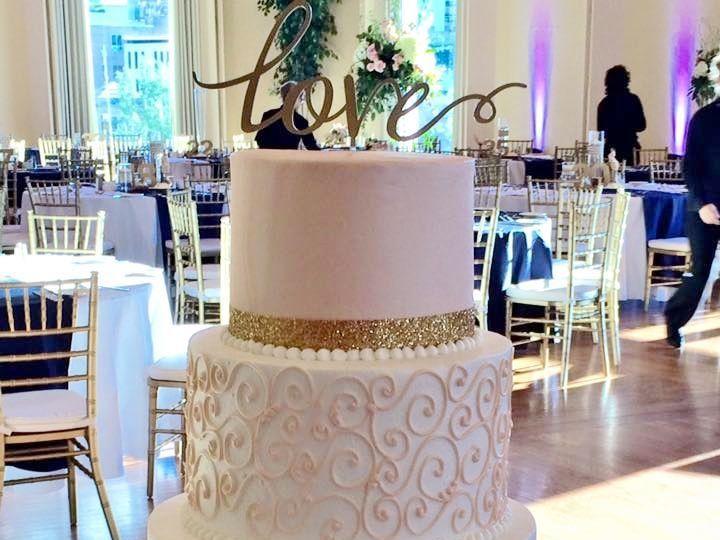 Tmx 1532741609 10dbfb3ce3c0ada1 1532741608 D36b41b162c0086f 1532741619273 9 Blush And Gold Menomonee Falls, WI wedding cake