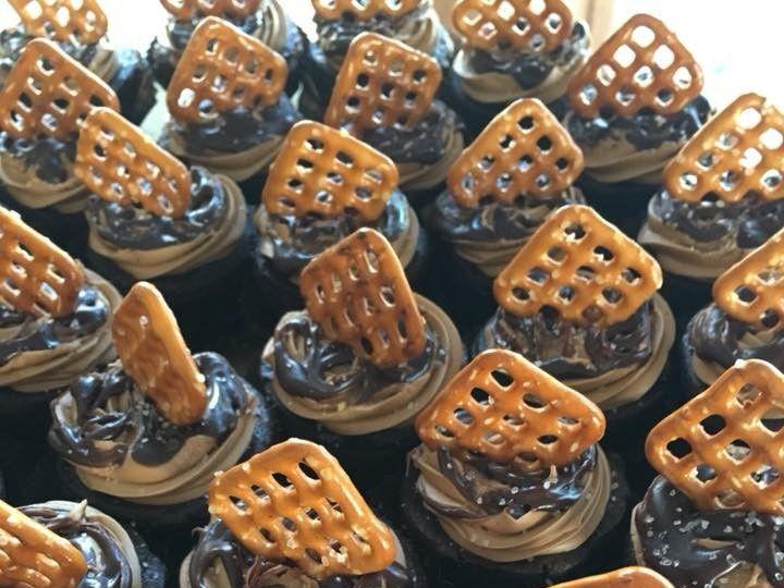 Tmx 2019 Brownie Bites Caramel Pretzel 51 83734 1565316251 Menomonee Falls, WI wedding cake